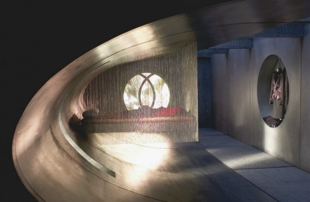 سینما و معماری (Æon Flux)