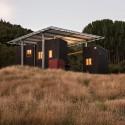 Longbush Ecosanctuary Welcome Shelter / Sarosh Mulla Design © Simon Devitt