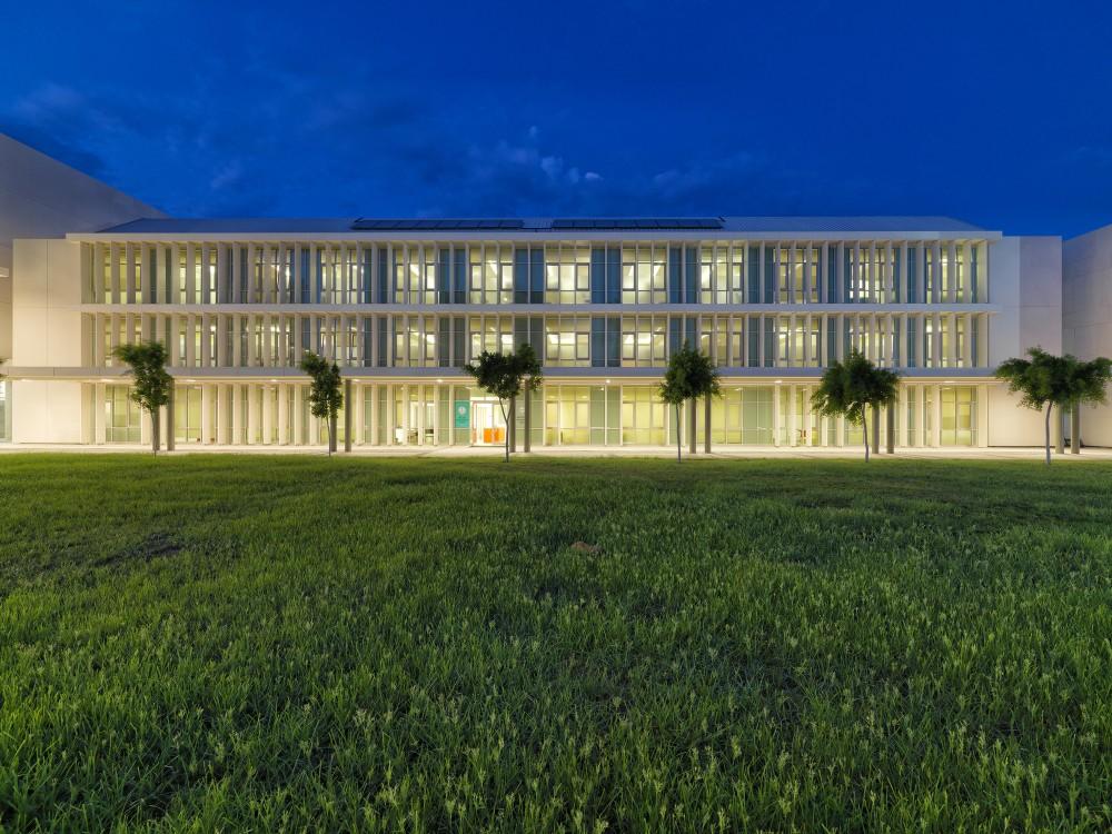 TAC-SEV New Campus / Erginoğlu&Çalışlar